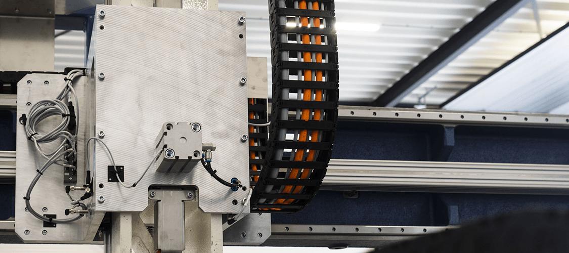 Bezoek SSEB op De Brabantse Metaaldagen. Wij lanceren SSEB Systems Transfersysteem FLX, een uniek automatiseringssysteem voor bestaande hydraulische persen.