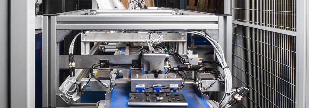 Productie automatisering, proces automatisering, procesautomatisering, industriële automatisering. In combinatie met een speciaalmachine kan een productieproces optimaal geautomatiseerd worden.